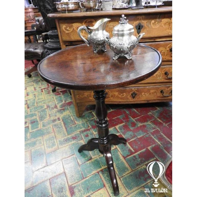 Tavolino Rotondo Da Salotto Antico.Antico Tavolino Da Salotto Tondo Dell 800 In Noce Piemonte