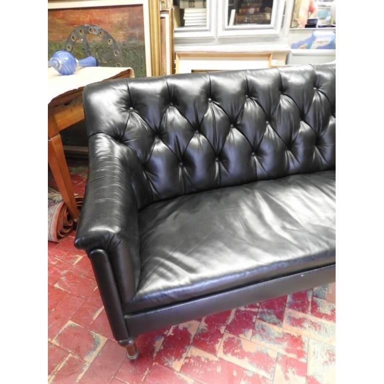 Originale divano inglese in pelle chesterfield londra il for Divano in inglese